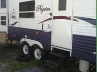 Like New! 27ft. Tow Behind 2005 Pilgrim Camper. Comes