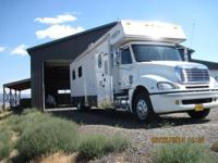 Beautiful 2005 Renegade Motorhome, Thirty Eight Feet