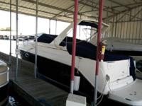 This 2005 Rinker 270 Fiesta has a VolvoPenta 8.1 Litre