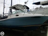- Stock #76824 - This is a 2005 Robalo R265 Walkaround.