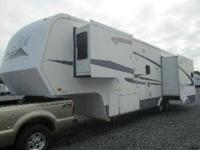 2005 Royal Villa by King of the Road model 34BW This