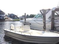 Selling a 2005 Sea Boss 21 BAY Center Console boat with