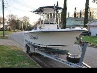 Very clean and well-maintained! 2005 Sea Hunt 220