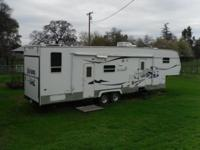 2005 Forest River Sierra 5th wheel trailer. It is in