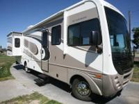 2005 Fleetwood Southwind 32V, Super clean inside and