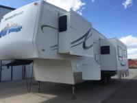 This fifth wheel is in great to excellent condition.
