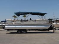 2005 Suntracker Party Barge Tritoon 25' Regency Edition