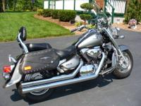 Excellent condition 2005 Suzuki 1500 Boulevard FI
