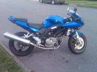 Up for sale a 2005 Suzuki sv650s color blue with low