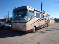 2005 Thor Presido 39B 22,000 miles 4 Slide outs 2 a/c