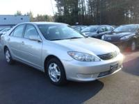 2005 Toyota Camry LE Sedan loaded up with MOONROOF,
