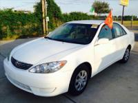 2005 Toyota Camry LE AUTO Options , come with the