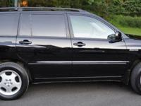 Offering 2005 Toyota Highlander Limited edition,