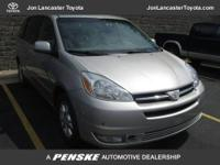 FUEL EFFICIENT 24 MPG Hwy/18 MPG City! XLE trim. CARFAX