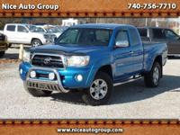 Options:  2005 Toyota Tacoma Prerunner|Check Out This