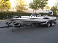 Has a  2012yr Evinrude e-tec 250HP motor with 192hrs on