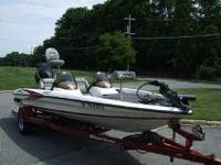 GORGEOUS 2005 TRITON LIMITED EDITION TR-186 ALONG WITH