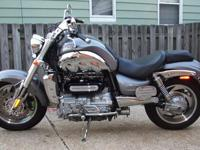 2005 TRIUMPH ROCKET III GRAPHITE.With Performance