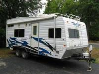 2005 Weekend Warrior Super Lite Toy Hauler This 20 foot