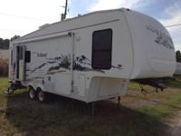 "RV Type: 	Fifth Wheel Length: 	29' x 8'0"" Axles: 	2"