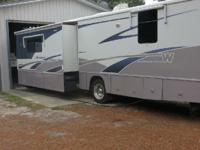 2005 Winnebago Adventurer M38R. This Class A