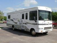 2005 Winnebago 31C, Second owner, Owned by a retired