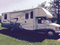 2005 Winnebago Mini Winnie M-31C. 25000 original miles-