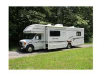 2005 Winnebago Minnie M-32G Class C. 2005 Winnebago