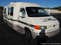 2005 WINNEBAGO RIALTA 22QD ONLY 44K MILES, TWO BENCHES
