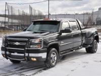 2005 CHEVROLET SILVERADO 3500 4x4 DIESEL.  -The truck