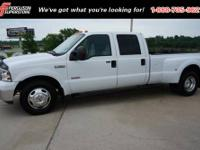 2005 Ford Super Duty F-350 DRW Crew Cab Pickup Lariat