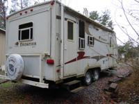 23' X 8' (mfg KZ ) Sleeps 6, fully contained. A/C,