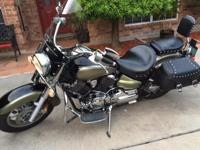 2005 YAMAHA V-STAR 1100 CLASSIC for sale. one owner and