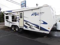 * 2006 28' RAGEN TOY HAULER RV * MODEL M-2400 SS *