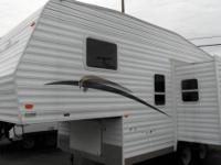 5th Wheel ready to go and be enjoyed 2006 Sports Master