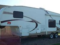 Type of Recreational Vehicle: Fifth Wheel. Year: 2006.