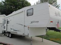 2006 30' Sportsman RV  Like New. Sleeps 6 14' Awning 2