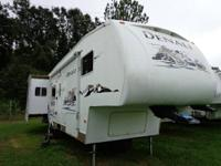 2006 31 FT/ TRIPLE SLIDE / REAR KITCHEN  $16,900.00