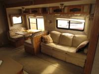 2006 32' PROWLER 5TH WHEEL RV ( MODEL 2952BS ) * 1