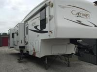 Model 35TBQ 36' 5th Wheel 4 Season, X-Clean Has 2