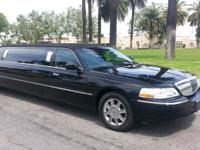 2006 Black 100-inch Lincoln Towncar by Krystal Limo