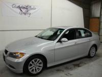 You are looking at a 2006 BMW 325XI No Accidents,1