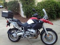 2006 BMW R1200 GS with 1893 actual miles. In AS NEW