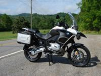 2006 BMW R1200GS Adventure - This GS Adventure is