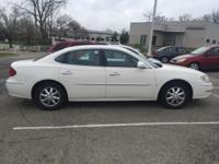 White 2006 Buick LaCrosse CXL FWD 4-Speed Automatic