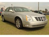 Exterior Color: silver, Body: Sedan, Engine: 4.6L V8