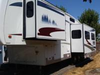 2006 Forest River Cardinal LE, Length: 32 ft, Exterior: