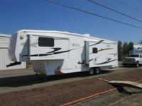 2006 Carriage Compass C2 LXI 5th wheel....3