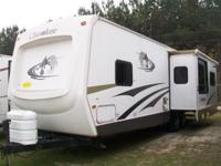 """GREAT"" 2006 REAR LIVING (FOREST RIVER) CHEROKEE 30L."