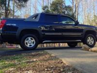 06 Dark Blue Metallic Chevrolet Avalanche 4WD, 104800